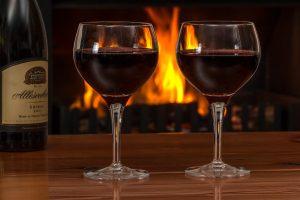 déguster du vin : acheter en ligne ou chez un caviste